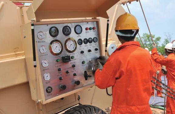 High Voltage Transmission Line (230/115kV) - EM Construction